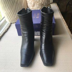 Stuart Weitzman Classic black booties